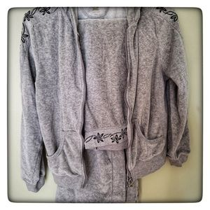 Central Park Gray Velour Sweatsuit, size small